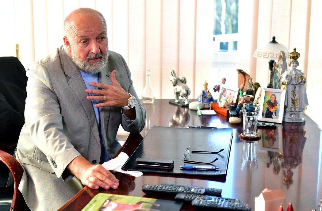 Jaroslav Starka ve své příbramské kanceláři