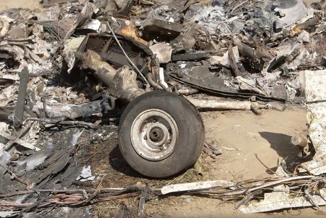 Nové fotografie z dronu odhalují trosky helikoptéry, ve kterém zahynul Kobe Bryant s dcerou Giannou