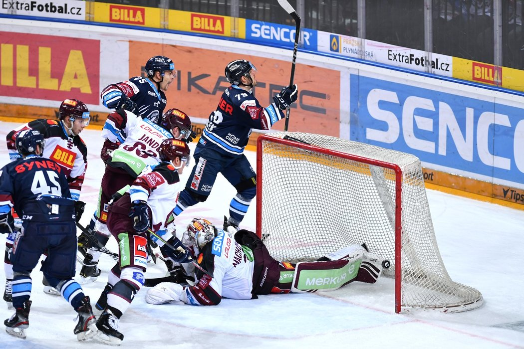 Libor Hudáček kompletuje čistý hattrick v utkání se Spartou