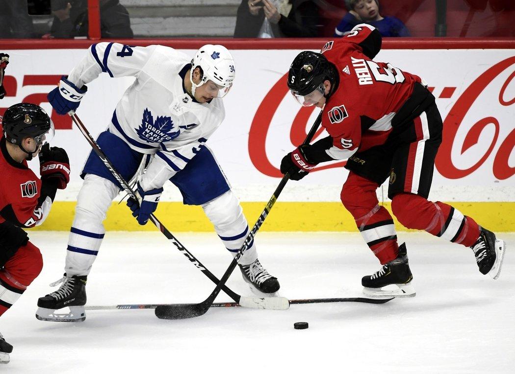 Auston Matthews má z celé NHL ve své smlouvě zakotven nejvyšší podpisový bonus.