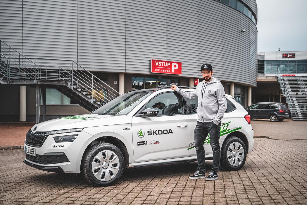Michal Birner převzal vůz Škoda k měsíčnímu užívání jako nejproduktivnější hráč extraligy za leden