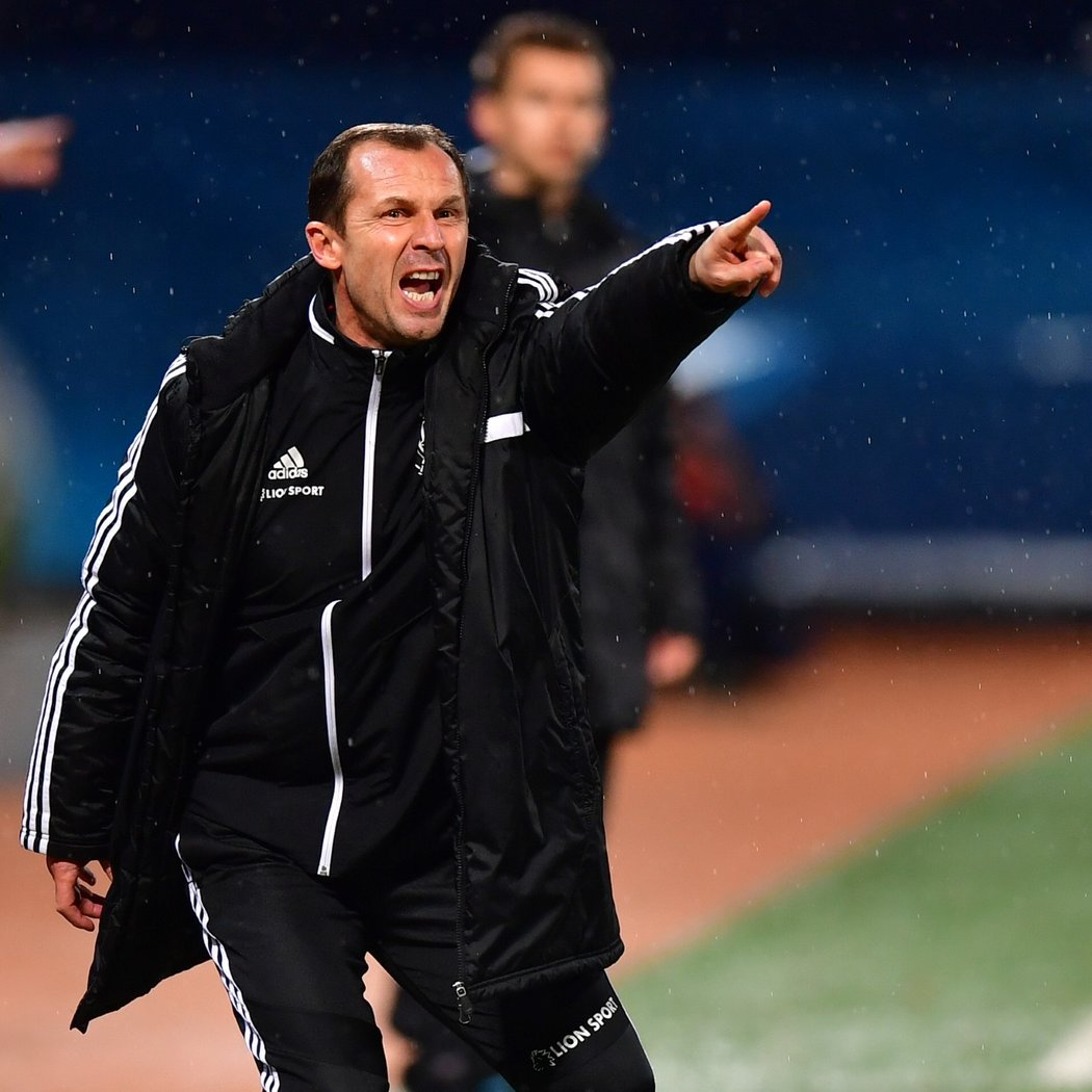 Trenér Olomouce Radoslav Látal při zápase proti Spartě