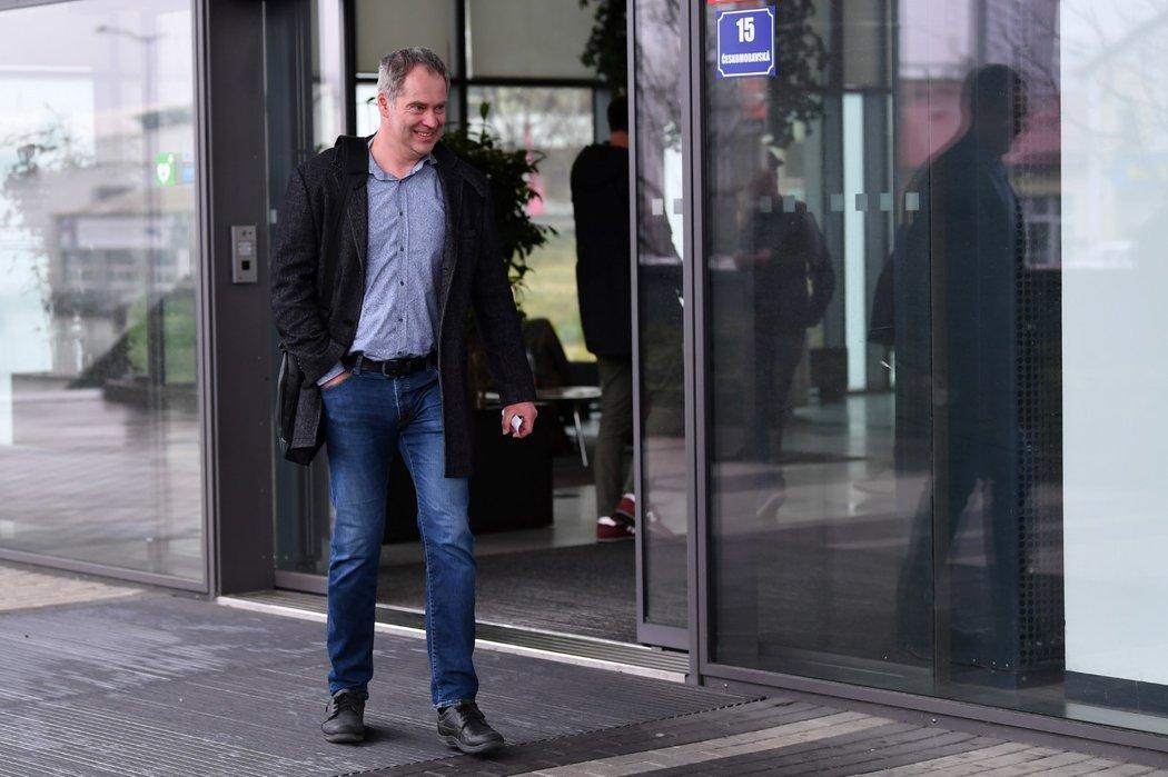 Martin Hosták se snažil jednat s partnery, často ale nebyl v kanceláři k zastižení...