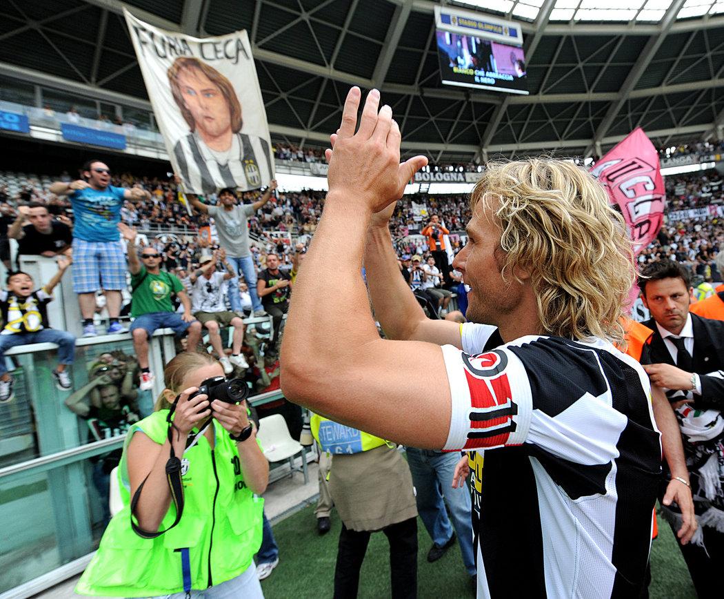 2009. Poslední zápas kariéry, Pavel Nedvěd se loučí s fanoušky Juventusu.
