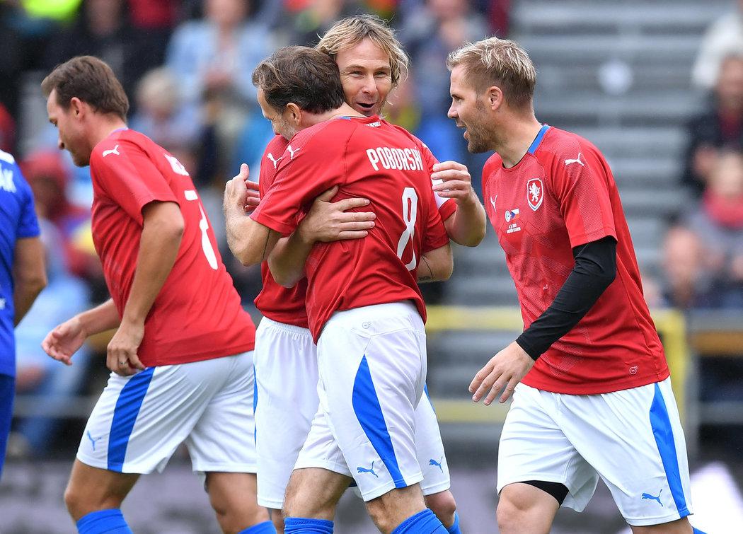 2019. V zápase století v Olomouci se Pavel Nedvěd potkal s dalšími někdejšími spoluhráči z reprezentace.