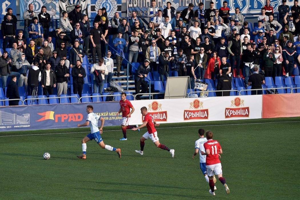Minské derby sledoval zaplněný stadion