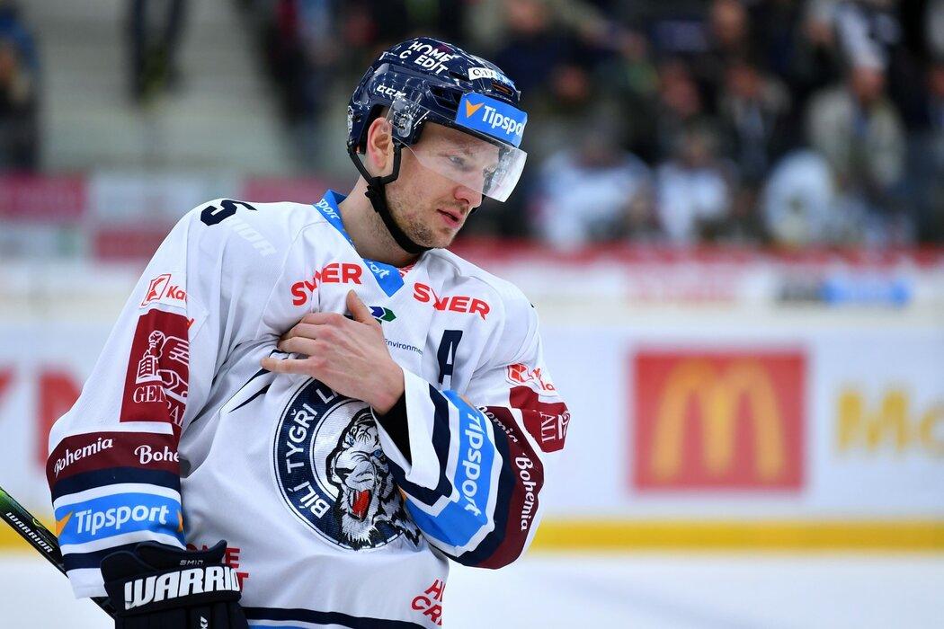 Ladislav Šmíd sice plánoval po sezoně konec kariéry, podle jeho slov však bude pokračovat