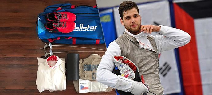 Alexander Choupentich ukázal, co nosí ve své tréninkové tašce