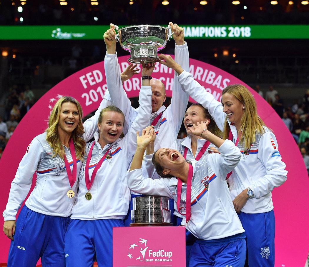 2018. Zatím poslední triumf ve Fed Cupu slavila Petra s Lucií Šafářovou, Barborou Krejčíkovou, Petrem Pálou, Barborou Strýcovou, a Kateřinou Siniakovou.