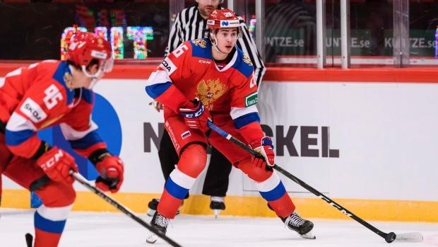 Obránce Alexander Romanov podepsal tříletý nováčkovský kontrakt s Montrealem, který jej draftoval v roce 2018 ve druhém kole. Vnuk ruské hokejové legendy Zinatuly Biljaletdinova působil v uplynulé sezóně v CSKA Moskva