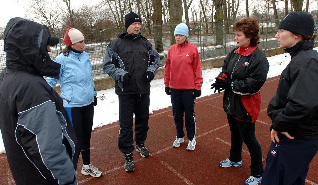 2006. Testy rozhodčích v Nymburce - Dagmar Damková, Roman Berbr a Pavla Tarková...