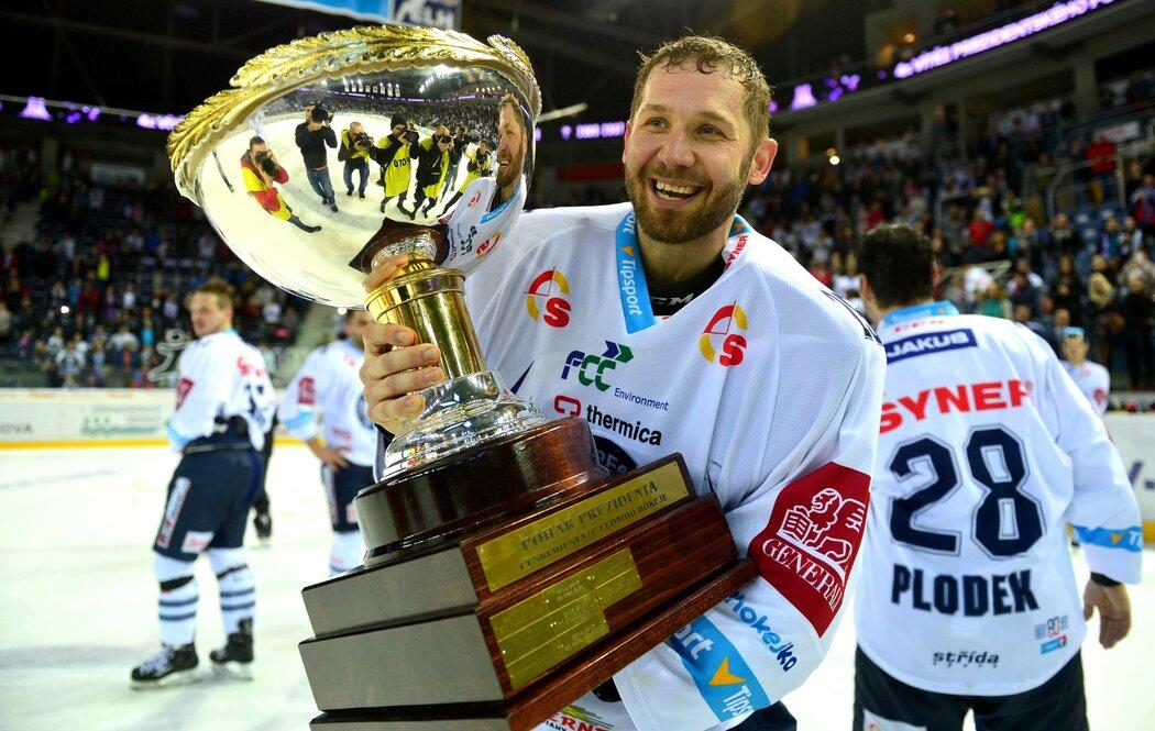 Kromě titulu v roce 2016 Ján Lašák pomohl Liberci k zisku Prezidentského poháru o rok později