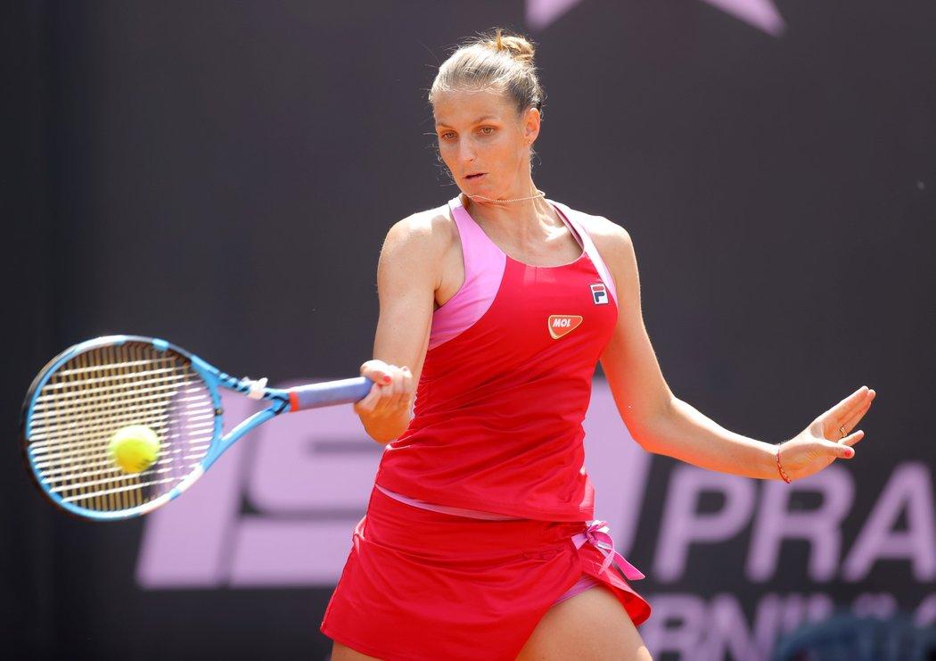 Česká tenistka Karolína Plíšková během turnaje na pražské Štvanici