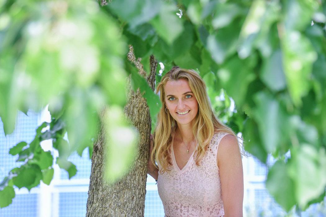 Tak to české tenistce Petře Kvitové v letních šatech sluší
