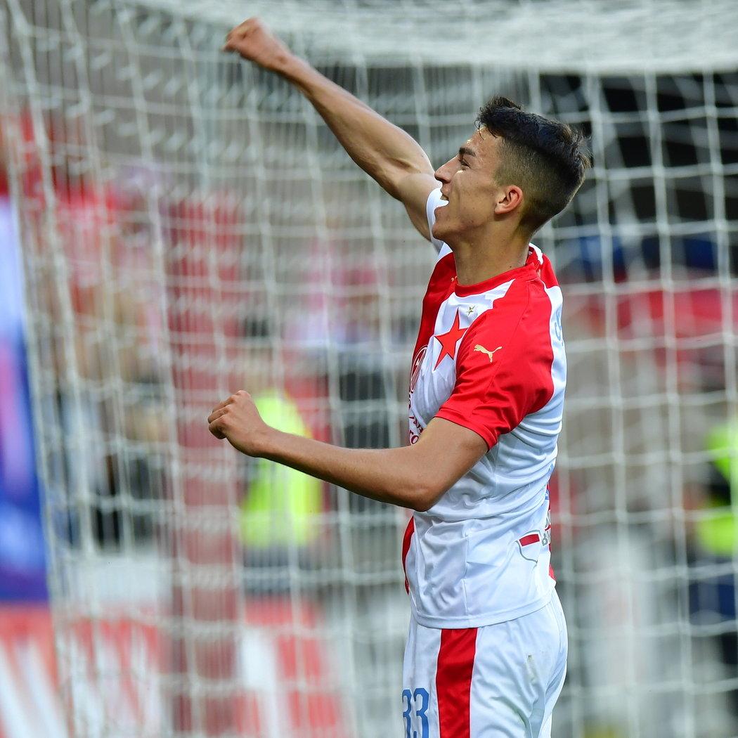 Petar Musa po gólu na 3:0