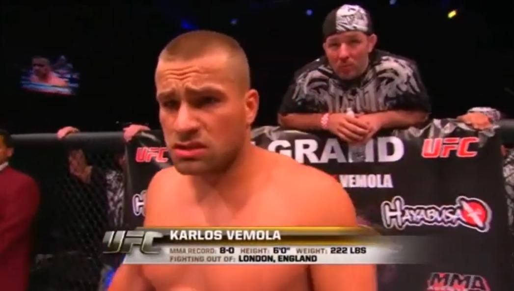 První zápas Karlose Vémoly v UFC. Galavečer UFC 116, místo konání: MGM Grand Garden Arena, Las Vegas, datum: 3. července 2010, soupeř: Američan Jon Madsen