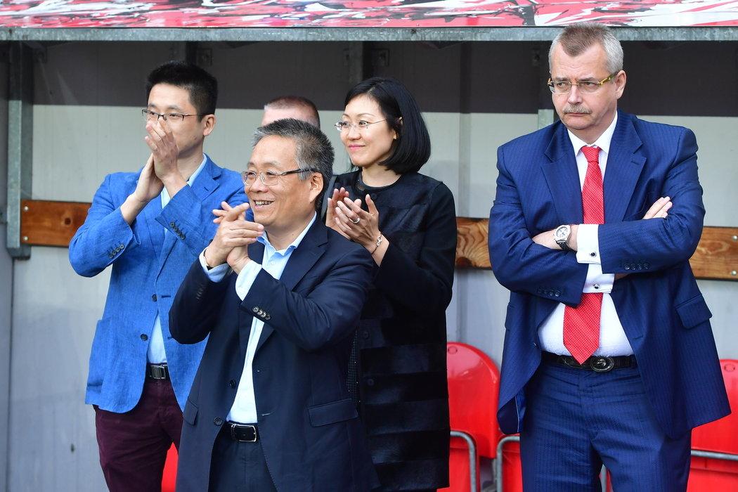 Jaroslav Tvrdík se zástupcem čínských majitelů Slavie