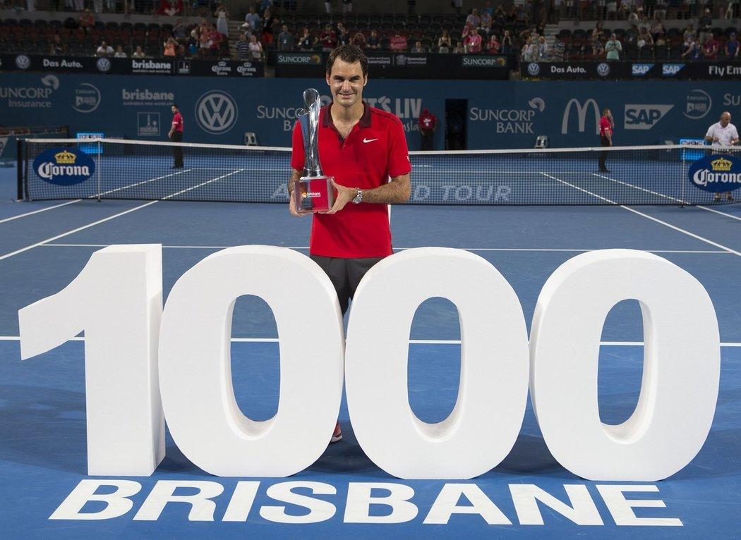 2015 - přesně 11. ledna, ve svých 33 letech, dosáhl ohromného milníku. Federer jako nejvýše nasazený porazil ve finále v Brisbane Milose Raonice, čímž získal svůj 83. titul kariéry. Zároveň šlo o jeho 1000. vítězství na okruhu ATP, což se před ním podařilo pouze Jimmymu Connorsovi a Ivanu Lendlovi.