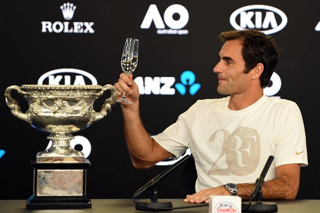 2018 - Roger Federer po zatím poslední výhře na grandslamu, který získal před dvěma lety v lednu na Australian Open