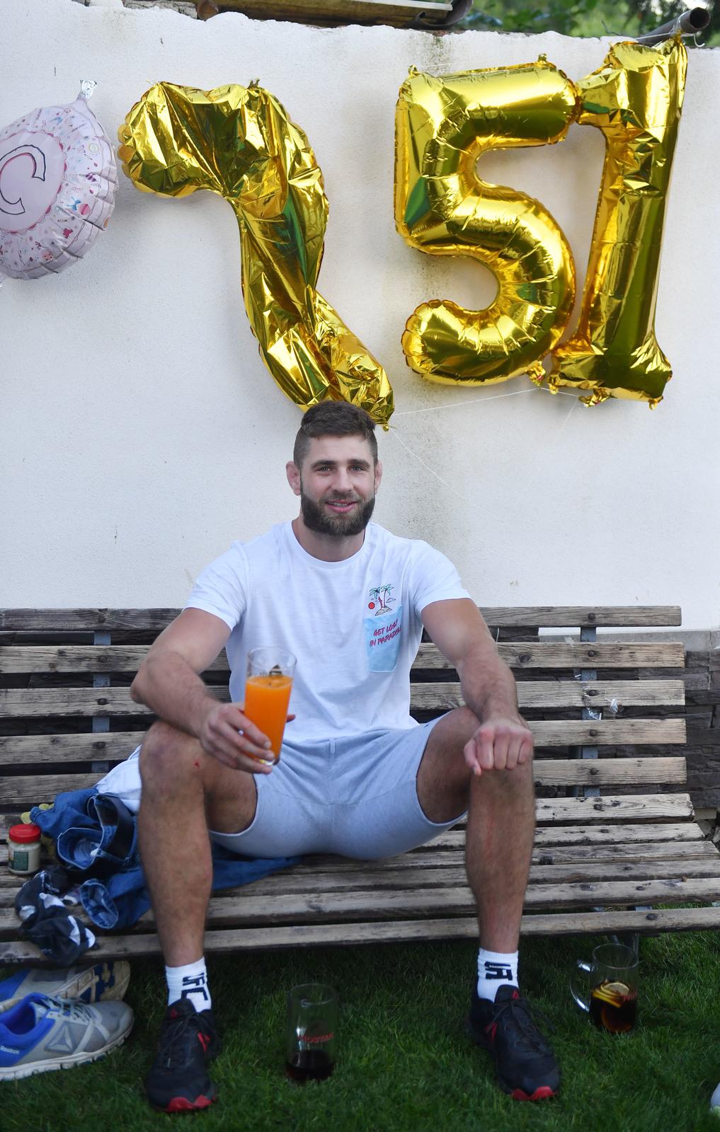 Jiří Procházka na oslavě svého prvního vítězství v UFC.