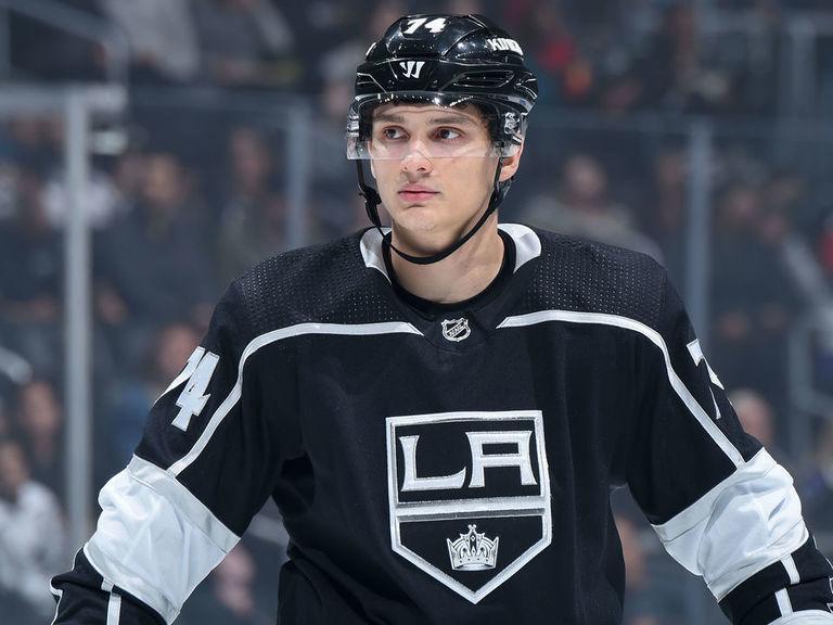 Ruský útočník Nikolaj Prochorkin se po roce stráveném v Los Angeles loučí s NHL a vrací se do Ruska, kde podepsal s Magnitogorskem smlouvu na dva roky.
