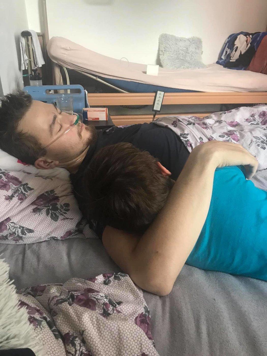 Ondřej Buchtela byl v domácí péči, dýchal s pomocí přístroje