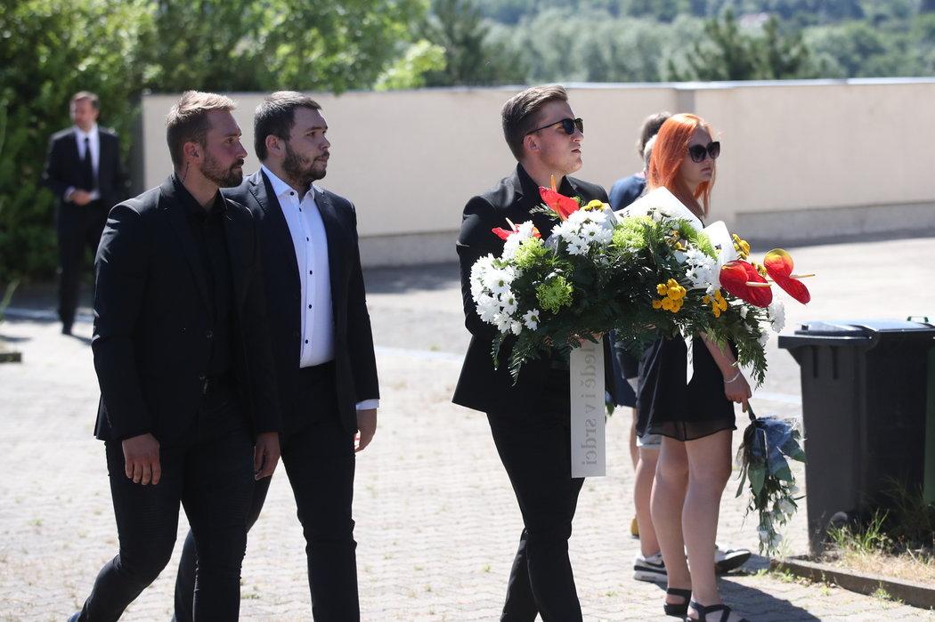 Na pohřeb Ondřeje Buchtely dorazilo několik desítek smutečních hostů