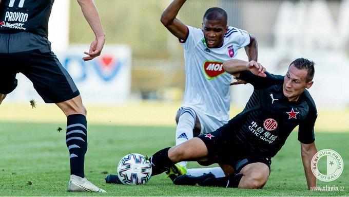 Slavia v přípravném zápase s Fehérvárem