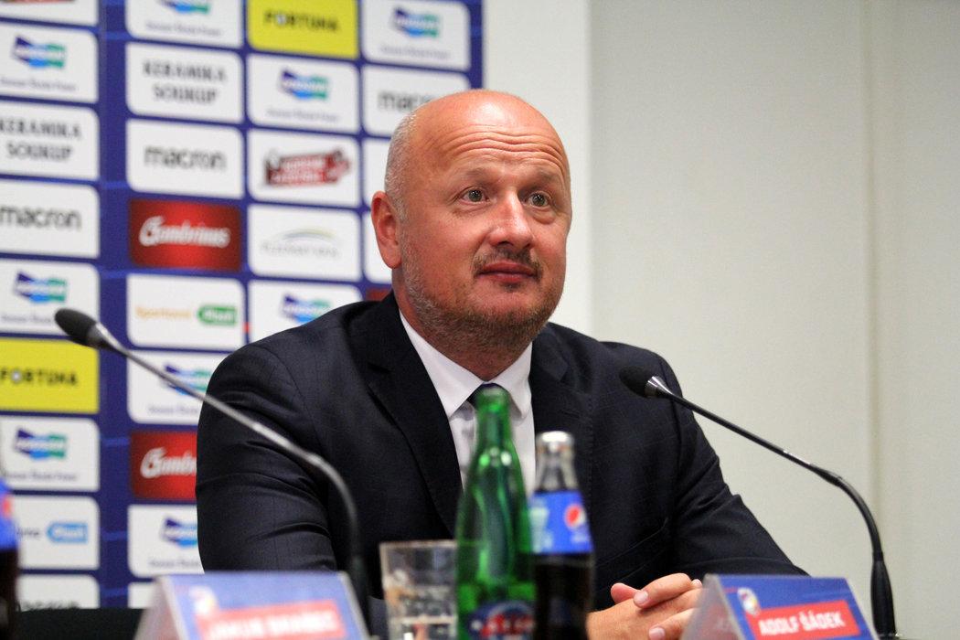 Generální ředitel Viktorie Plzeň Adolf Šádek odpovídal novinářům na tiskové konferenci před sezonou