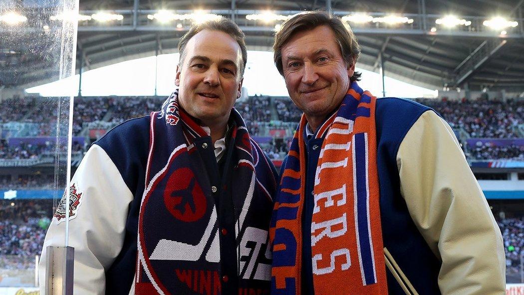 Dale Hawerchuk a Wayne Gretzky na společné fotografii.