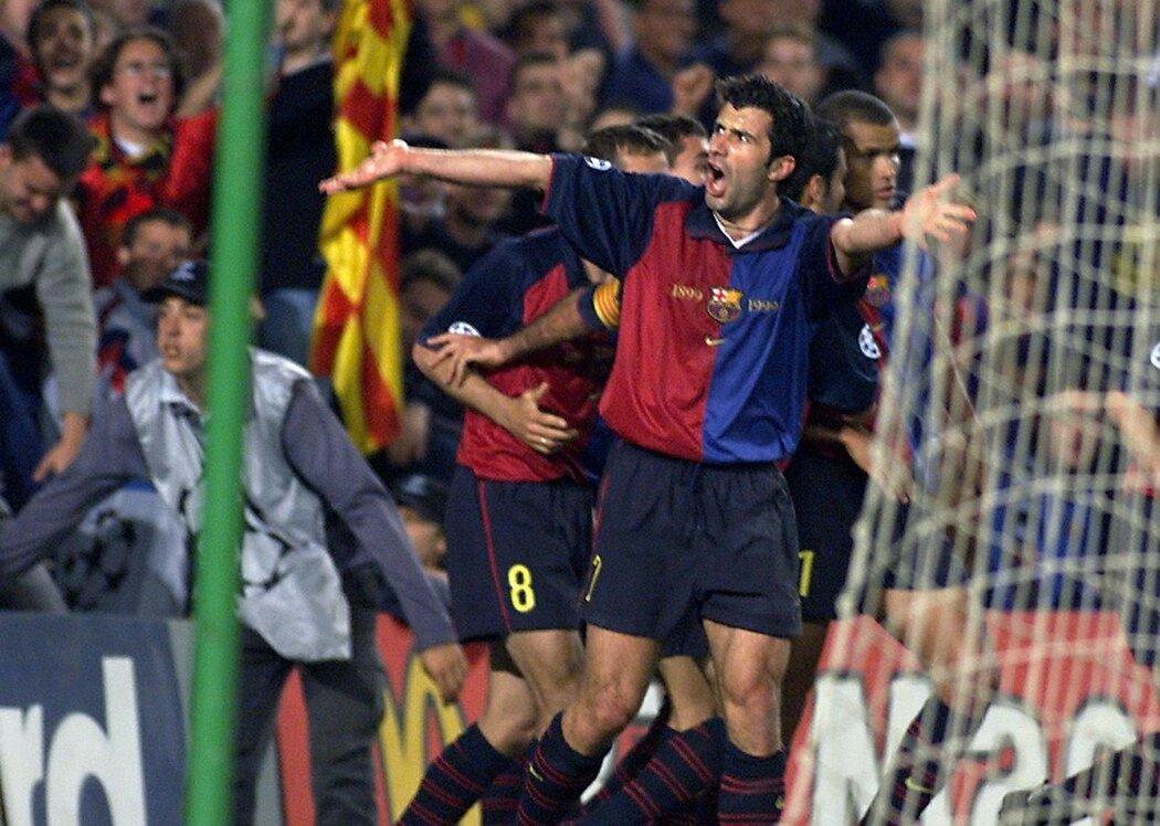 Luis Figo opustil Barcelonu a šel do týmu největšího rivala, Realu Madrid