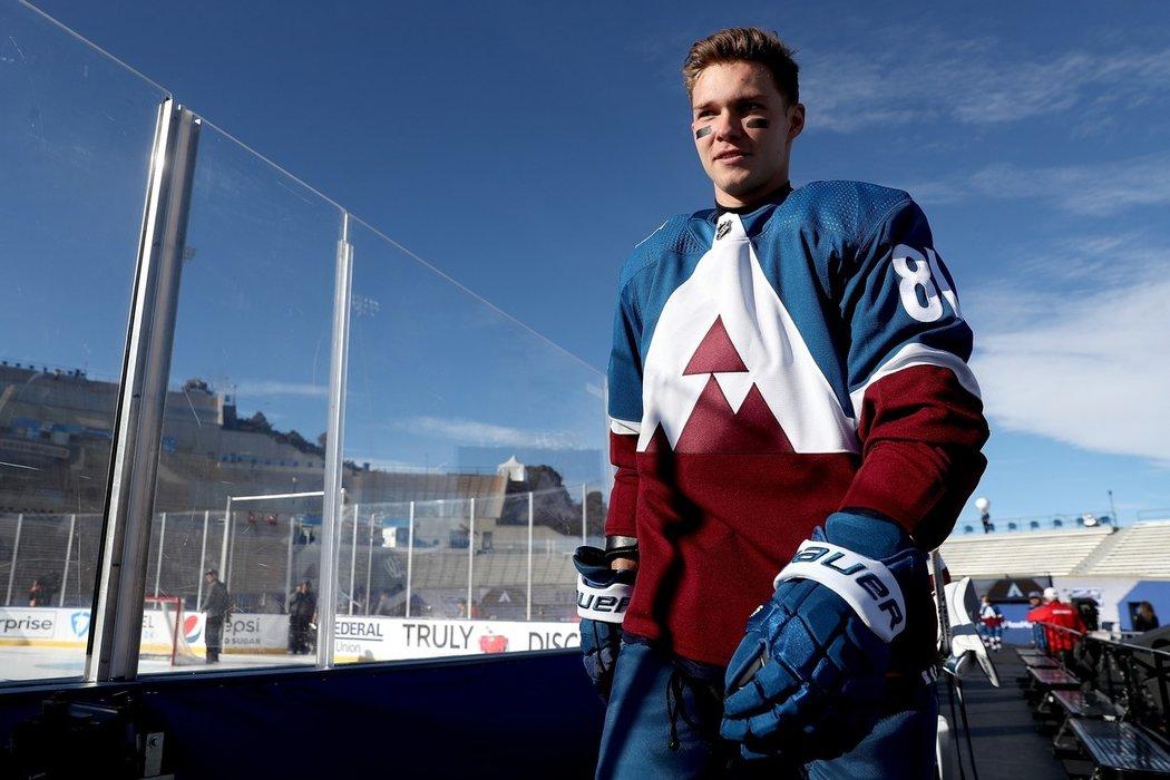 Ruský útočník Vladislav Kameněv po pěti letech končí v zámoří a míří do KHL, kde podepsal na dva roky s Petrohradem