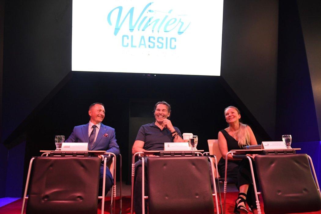Na středeční tiskové konferenci k Winter Classic se kromě Jaromíra Jágra a Andrey Bársony objevil i Petr Dědek