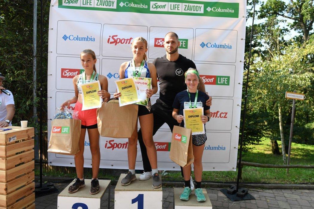 Jiří Denisa Procházka gratuloval nejmenším vítězům iSport LIFE Columbia závodům v Brně...
