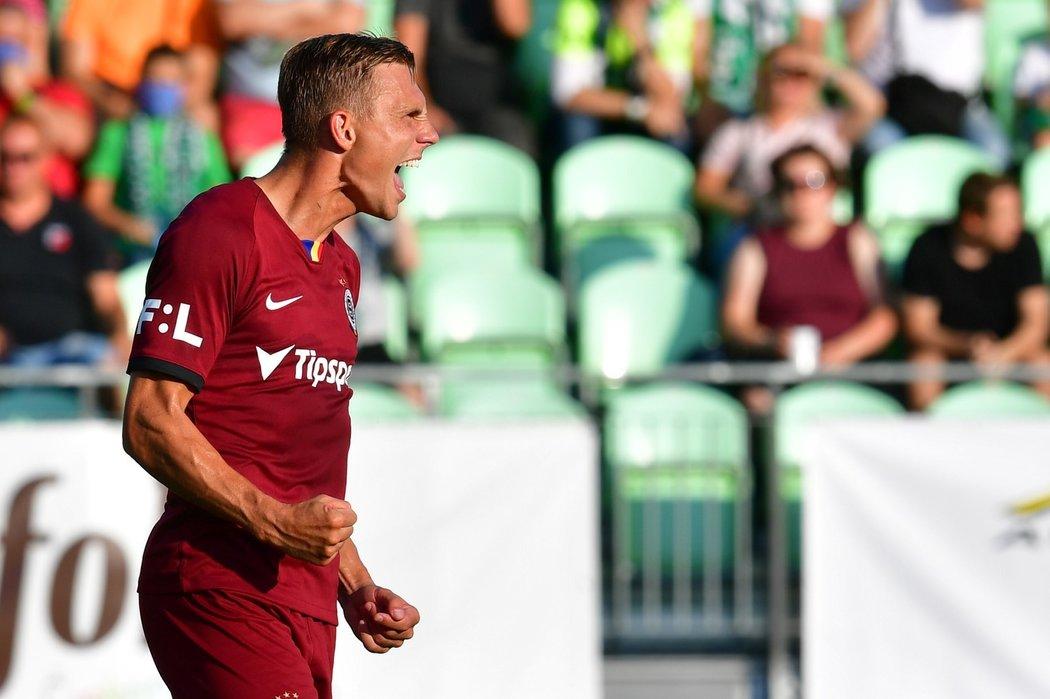 Radost Bořka Dočkala po proměněné penaltě proti Karviné, kterou srovnal na 2:2