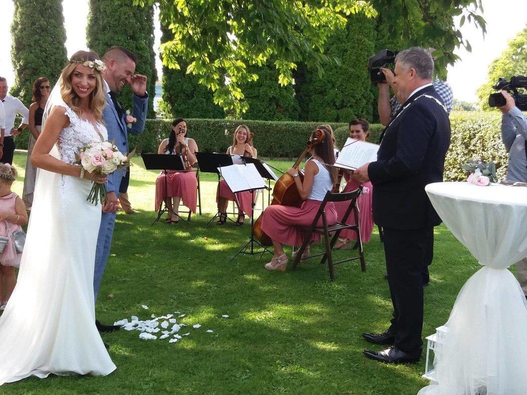 Petr Švancara je znovu ženáč! Vzal si krásnou Kamilu.