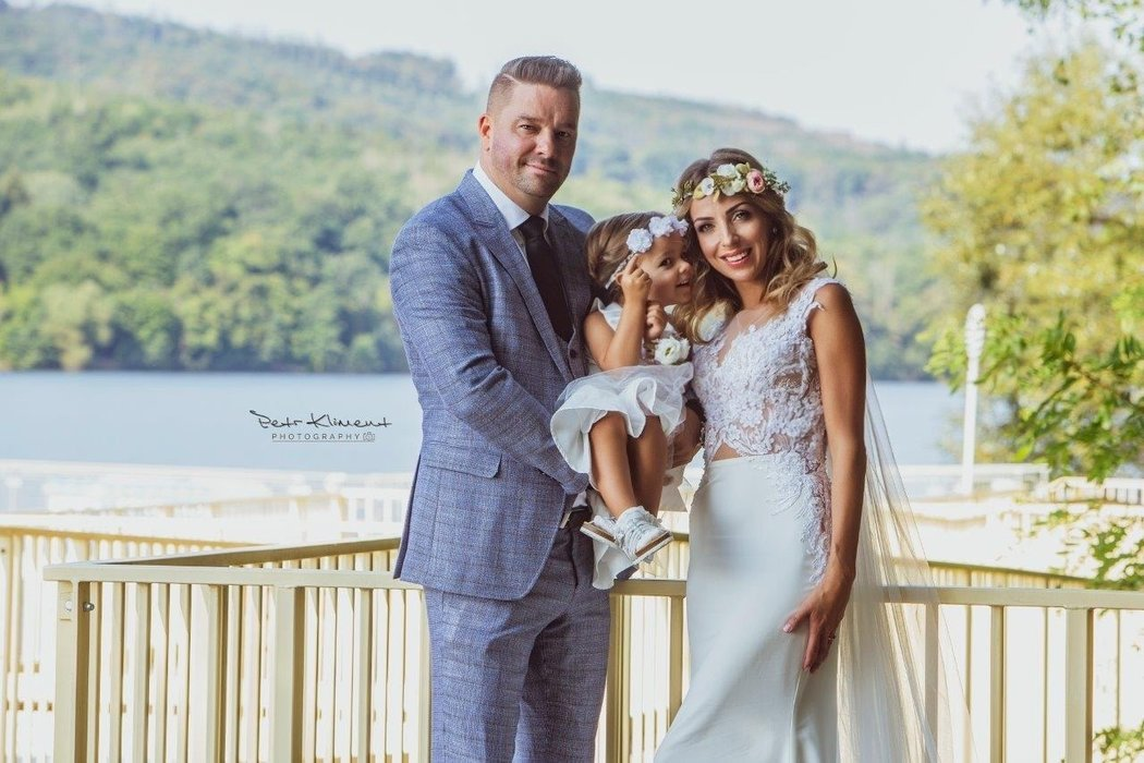Petr Švancara má se svojí ženou Kamilou dceru Lauru