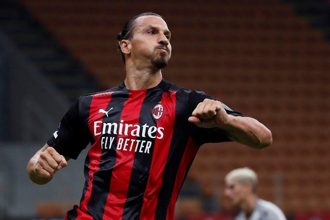 Švédský kanonýr Zlatan Ibrahimovc vstřelil v utkání Serie A dvě branky do sítě Boloni