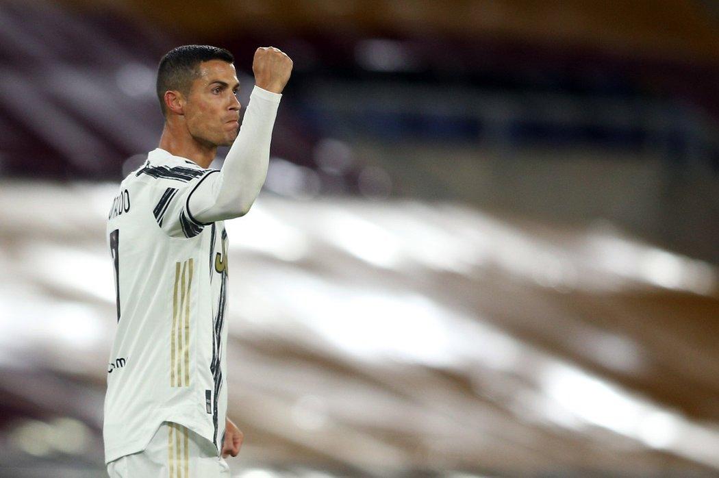 Cristiano Ronaldo se raduje ze vstřeleného gólu Juventusu