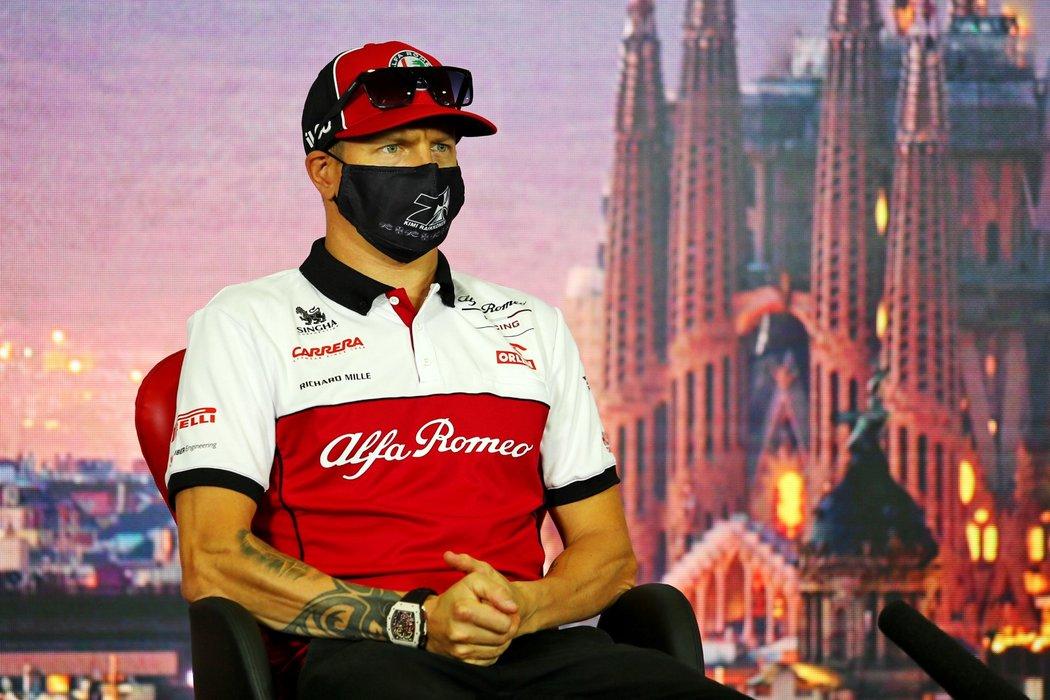 Kimi Räikkönen v rozhovoru před závodem v Barceloně