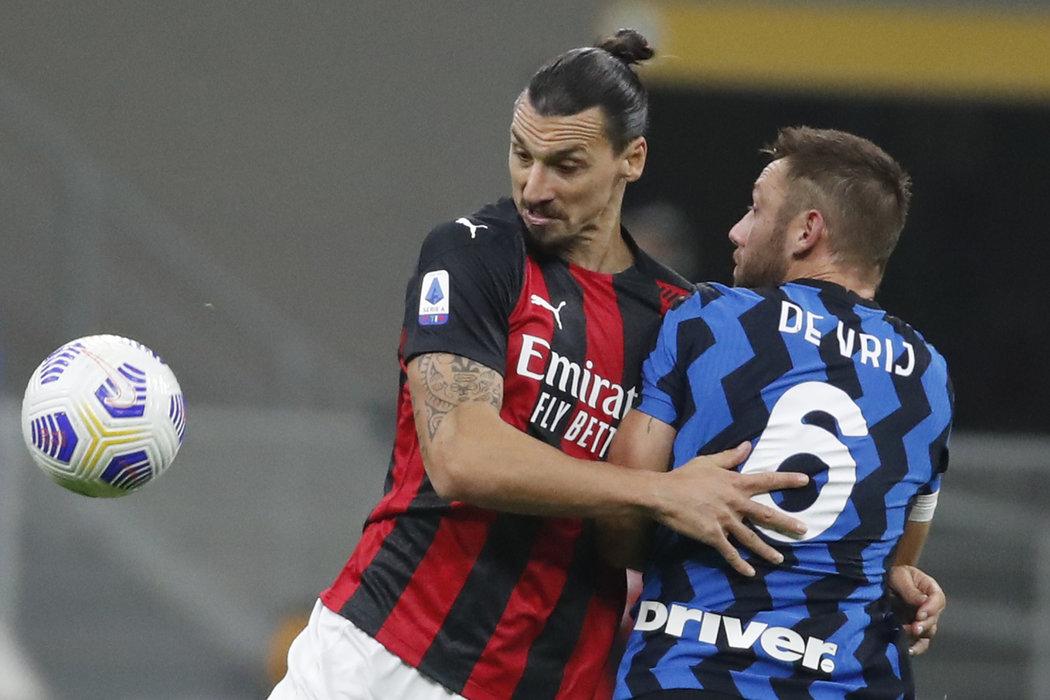 Zlatan Ibrahimovic během pár minut rozhodl milánské derby
