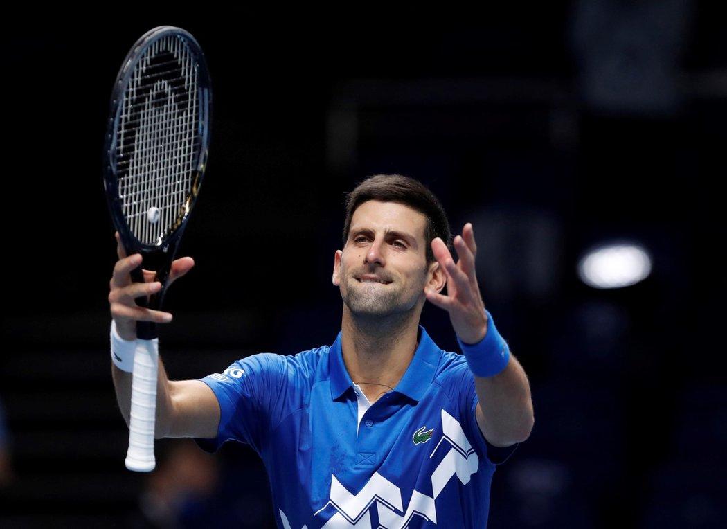 Srbský tenista Novak Djokovič během utkání na Turnaji mistrů