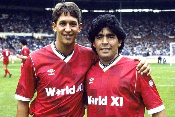Gary Lineker a božský Diego ve světové jedenáctce 90. let