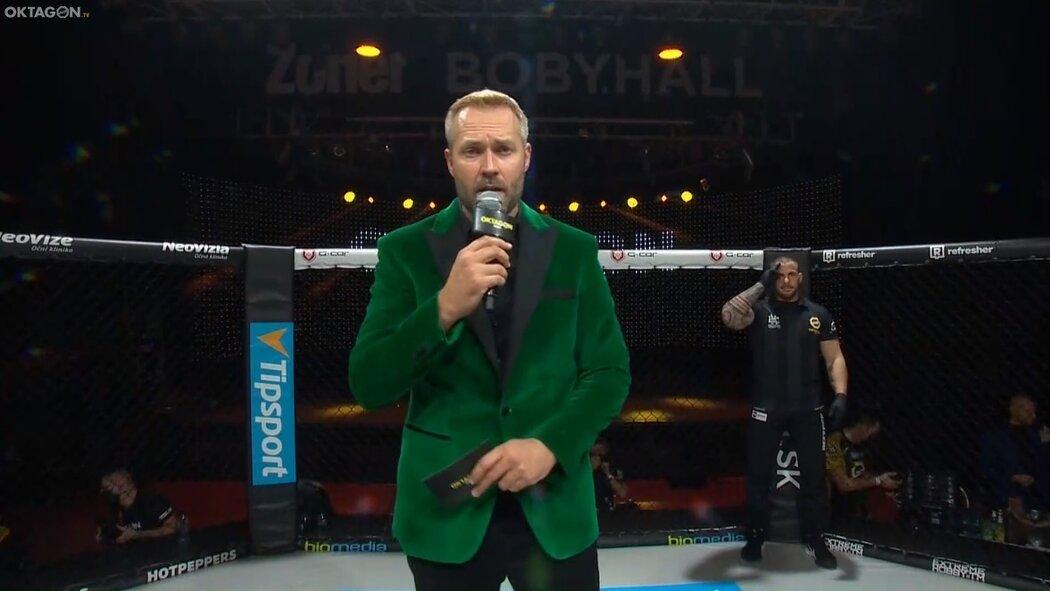 Promotér a moderátor Ondřej Novotný na turnaji Oktagon 19.