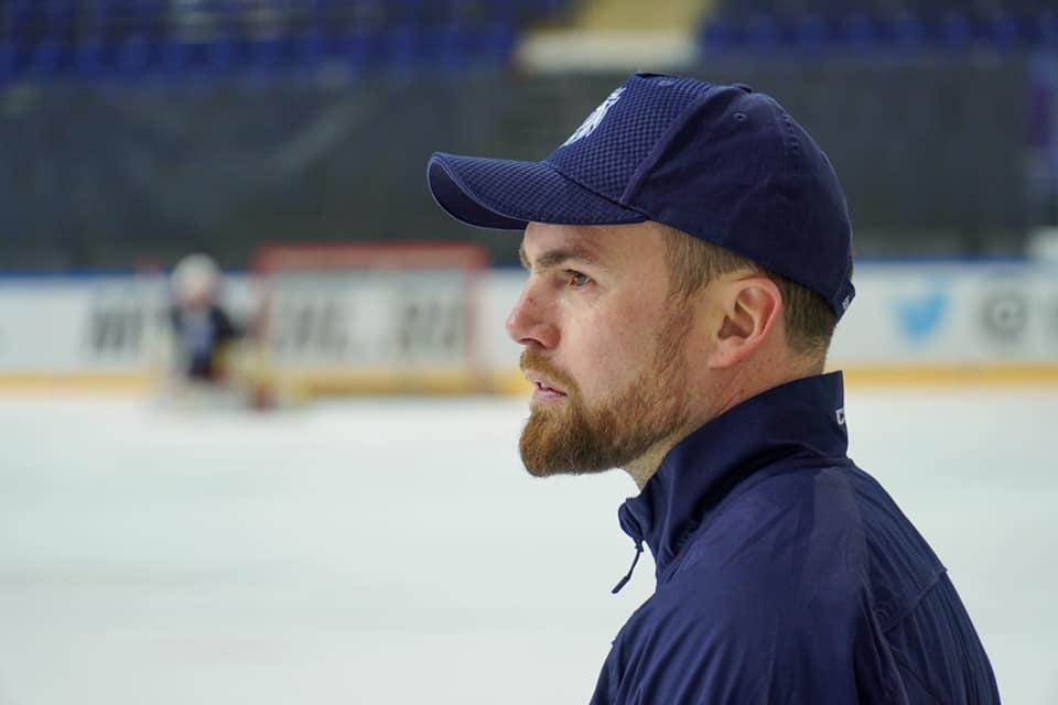 Trenér hokejové reprezentace Filip Pešán při tréninku svého mužstva
