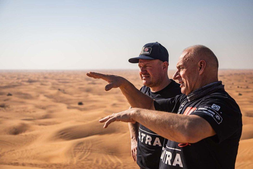 Tomáš Enge se na letošní Dakar připravoval v Dubaji po boku zkušeného Josefa Macháčka