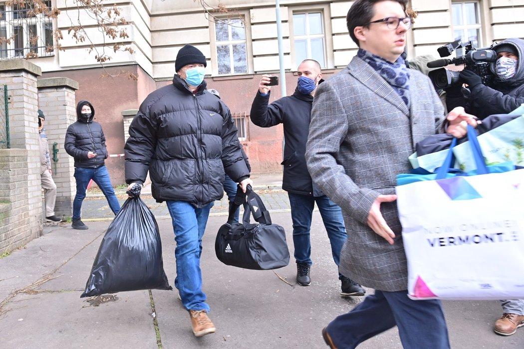 Bývalý místopředseda FAČR Roman Berbr opustil vazební věznici v Praze na Pankráci