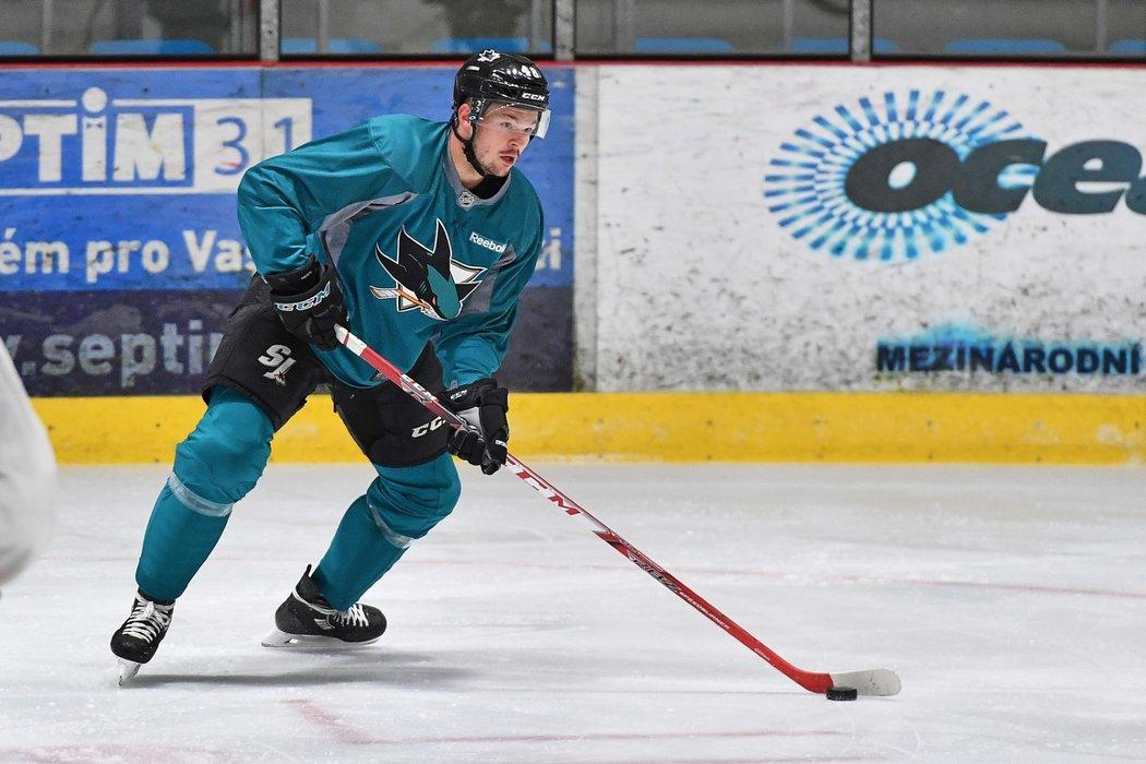 Útočník San Jose Sharks Tomáš Hertl