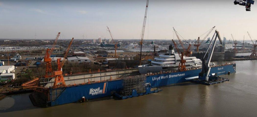 Ruský miliardář Roman Abramovič si pořídil novou jachtu.