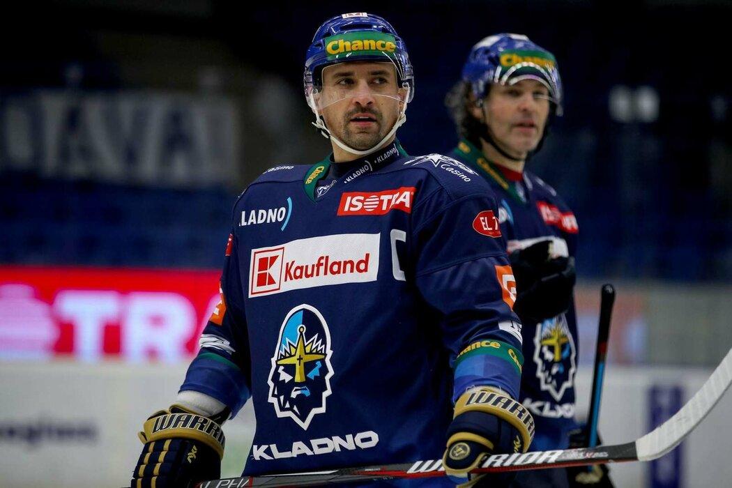 Kladenský kapitán Tomáš Plekanec s Jaromírem Jágrem na ledě